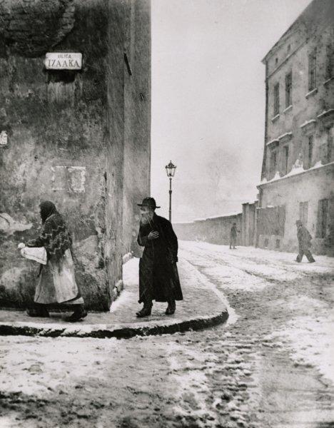 Roman Vishniac, Isaac Street, Kazimierz, Cracow, 1938