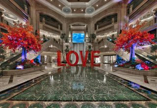 laura-kimpton-love-the-venetian-las-vegas