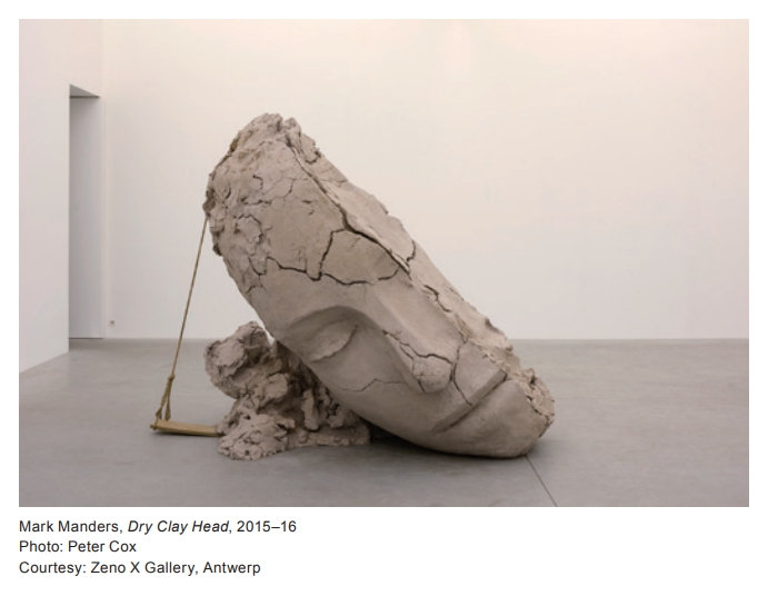 Mark Manders - Dry clay head - 2015-16 - photo Peter Cox - Courtesy Zeno X Gallery Antwerp
