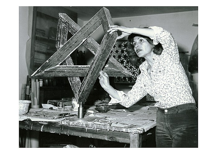 Monir Shahroudy Farmanfarmaian, in her studio working on Heptagon Star, Tehran, 1975